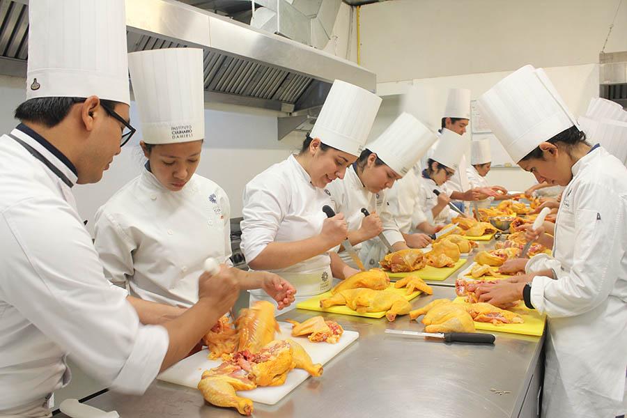 Instituto culinario danieli lic en gastronom a for Frances culinario